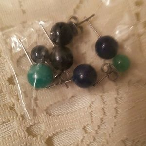 Pairs of color bead earings